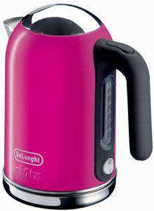 DeLonghi KMix Kettle in pink magenta