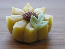 wagashi sunflower japanese confectionery art
